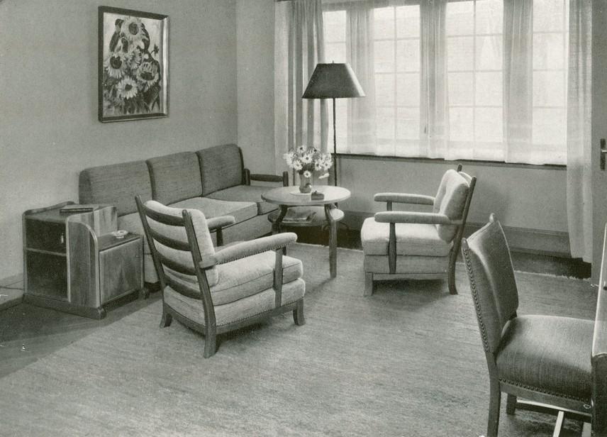 Einrichtung wohnzimmer chroniknet private bilder for Wohnzimmer 1950