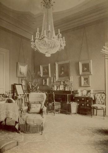 Innenansicht das wohnzimmer chroniknet private bilder for Wohnzimmer 1900